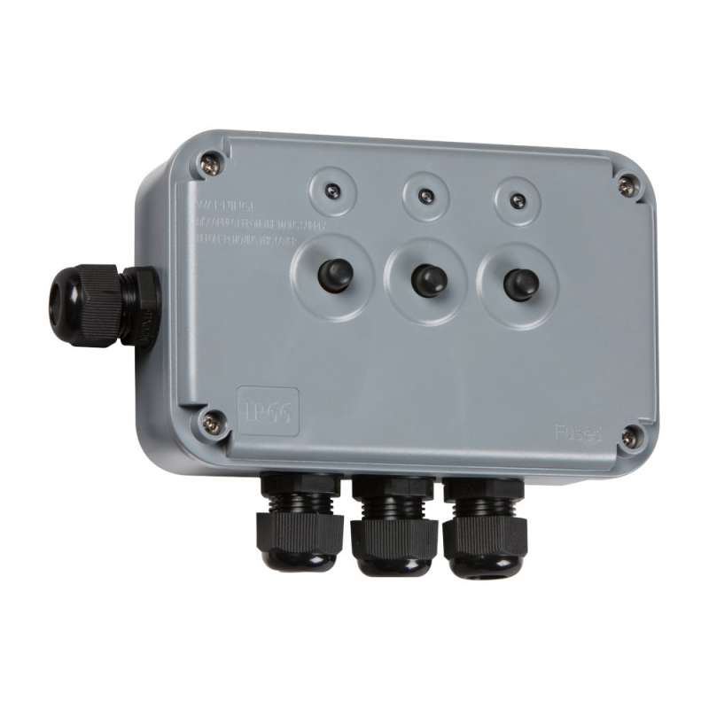 Knightsbridge IP66 13A 3Gang Outdoor Switch Box IP3G